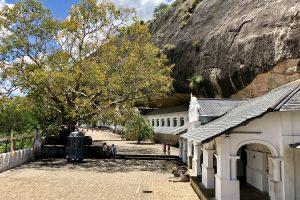 Sri Lanka - dambulla cave temple 5 Columbus Tours Sri Lanka (69)